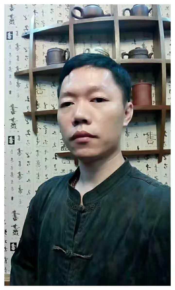 1、創意總監-李財賢.jpg
